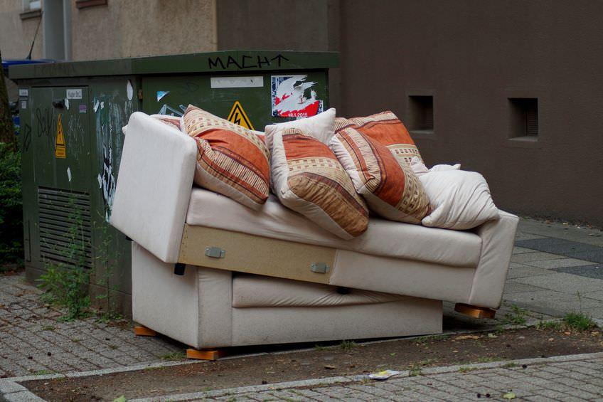 引越し廃棄物不用品回収