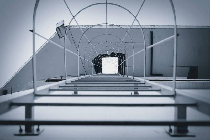 マンションの避難はしごからの侵入